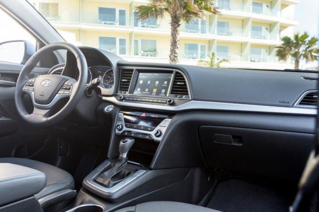 Hyundai Elantra Infotainment