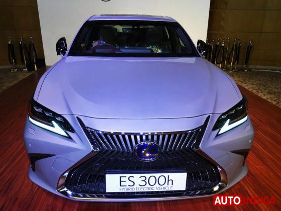 Lexus ES 300h luxury sedan