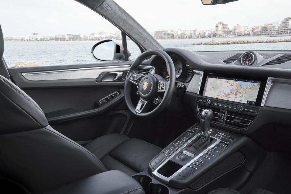 Porsche Macan interior autoindica