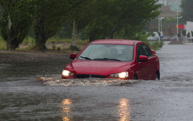 driving in flood water bow wave autoindica