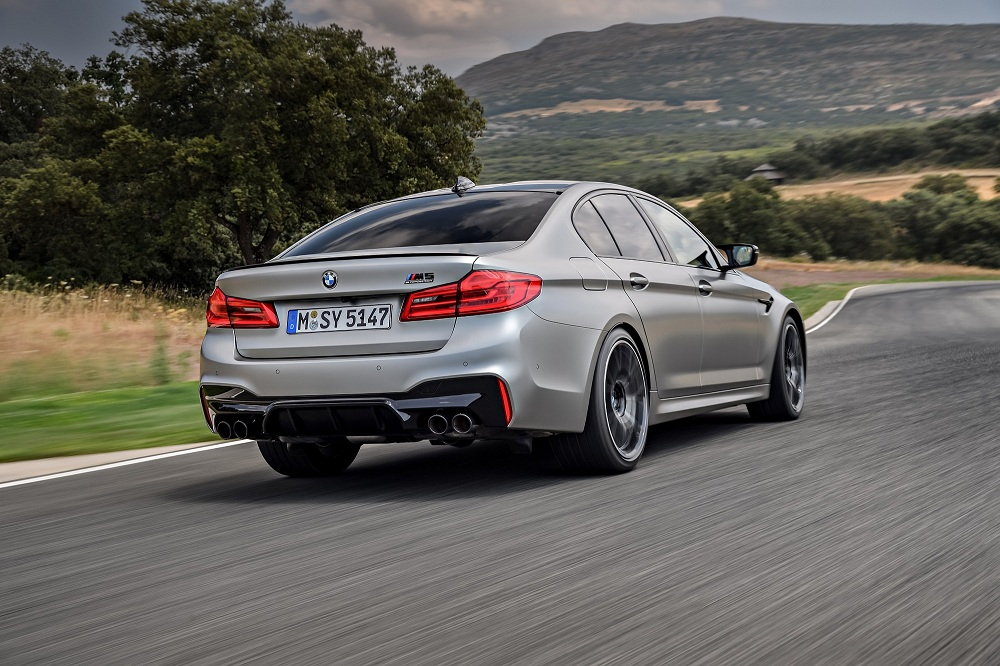bmw m5 competition rear tracking autoindica